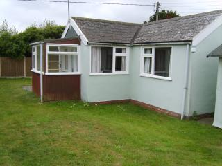 Charming Bungalow with Internet Access and Parking Space - Hemsby vacation rentals
