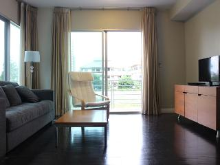 Nice 2 bedrooms beach front  condo, Hauhin, TH - Hua Hin vacation rentals