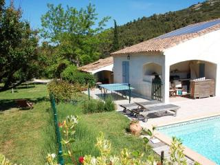 Villa avec piscine cloturée - Simiane-Collongue vacation rentals