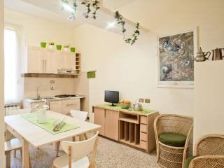 Elegant, central, huge, subway-villa borghese-7 pp - Rome vacation rentals