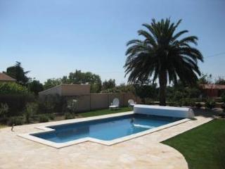 Autignac villa with private pool South France sleeps 6 - Autignac vacation rentals