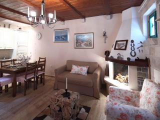 2 bedroom House with Internet Access in Makarska - Makarska vacation rentals