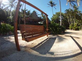 Palm Bay Hideway Long Island - Flametree vacation rentals