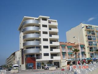 mumba Canet Plage - Canet-en-Roussillon vacation rentals