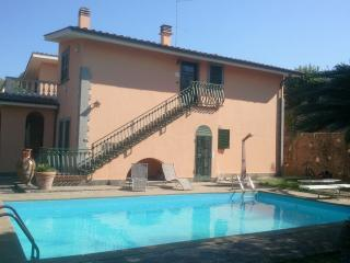 Bright 3 bedroom Lubriano Villa with Internet Access - Lubriano vacation rentals