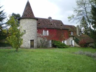 Cozy 2 bedroom Tourtoirac Bed and Breakfast with Internet Access - Tourtoirac vacation rentals