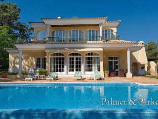 Nice Villa with Internet Access and A/C - Quinta do Lago vacation rentals