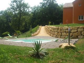 Chambres d'hôtes La Colline des Endrevies - Saint-Andre-d'Allas vacation rentals