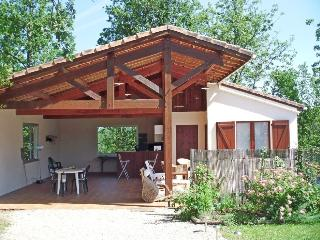 Romantic 1 bedroom Agen Gite with Internet Access - Agen vacation rentals