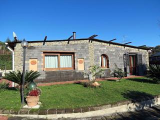 3 bedroom Villa with Internet Access in Sant'Agata sui Due Golfi - Sant'Agata sui Due Golfi vacation rentals