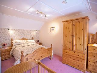Charming 3 bedroom Cottage in Trefin - Trefin vacation rentals