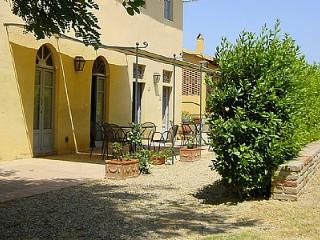 Cozy House with Deck and Shared Outdoor Pool - Castelfiorentino vacation rentals