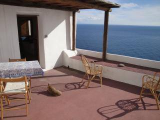 Adorable 1 bedroom Apartment in Alicudi with Balcony - Alicudi vacation rentals
