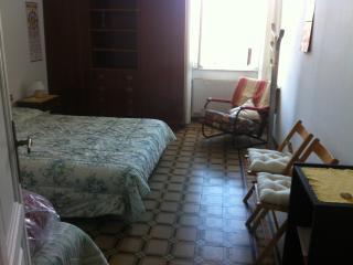 Appartamento golfo di Lerici a 50 mt dalla spiaggi - San Terenzo vacation rentals