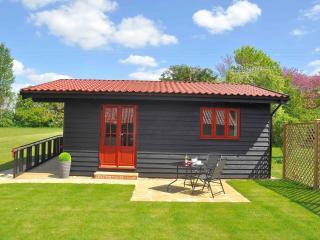 Nice 1 bedroom Ipswich Lodge with Short Breaks Allowed - Ipswich vacation rentals