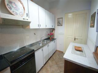 ANTICA STRUTTURA NEL CENTRO STORICO DEL PAESE - Racale vacation rentals