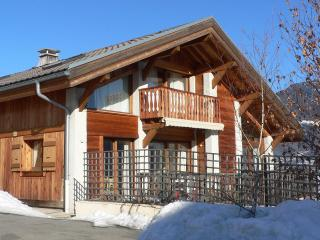 Nice Chalet with Internet Access and Dishwasher - Domancy vacation rentals