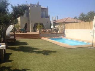 200m2 house&pool 7min from sea - Herzlia vacation rentals