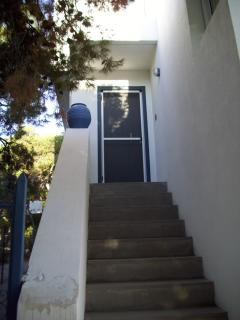 Spacious 4 bedroom House in Aegina Town with Dishwasher - Aegina Town vacation rentals