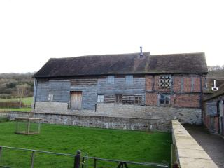 Lovely Barn with Internet Access and Dishwasher - Much Wenlock vacation rentals