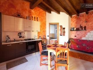 Romantic 1 bedroom Apartment in Puegnago sul Garda with Internet Access - Puegnago sul Garda vacation rentals