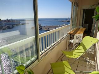 Sète, seaside/hillside view, with GARAGE - Sete vacation rentals