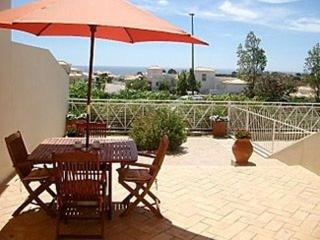 LUXURY 2-BED TOWNHOUSE PONTA GRANDE RESORT REF0001 - Albufeira vacation rentals