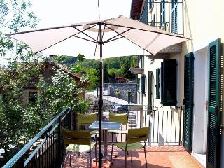 Charming 2 bedroom Condo in Musso with Internet Access - Musso vacation rentals