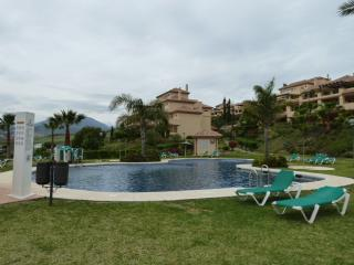 Beautiful apartment in Cumbres del Rodeo - Puerto José Banús vacation rentals