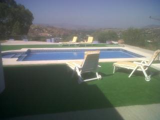 Nice 3 bedroom Coin Villa with Deck - Coin vacation rentals