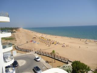 Terrace & Sea View Apartment - Quarteira vacation rentals