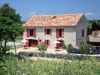 Syrah, 3 bed vacation apartment rental Provence w - Lezan vacation rentals