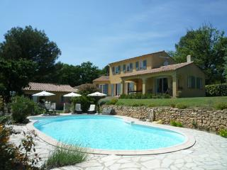 le mas du loup - Lauris vacation rentals