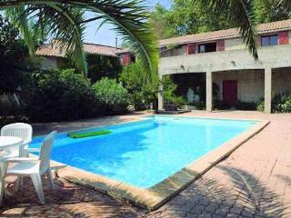 Nice House with Internet Access and Shared Outdoor Pool - Le Somail vacation rentals