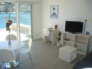 Beautiful 2 bedroom Jelsa Condo with Internet Access - Jelsa vacation rentals