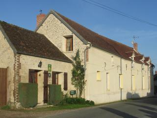 Nice 1 bedroom Chaumont-en-Vexin Gite with Internet Access - Chaumont-en-Vexin vacation rentals