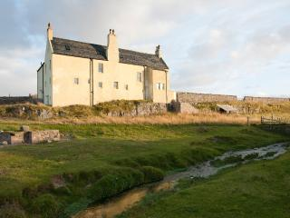 Lovely 8 bedroom Lodge in Durness with Internet Access - Durness vacation rentals