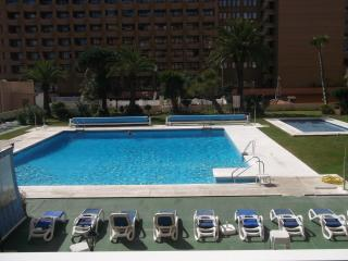 Sunny studio with pool view - Fuengirola vacation rentals