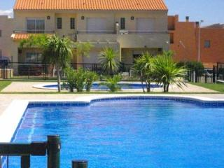 Nice House with Shared Outdoor Pool and Television - Miami Platja vacation rentals