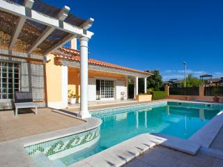5 bedroom Bed and Breakfast with Internet Access in Cascais - Cascais vacation rentals