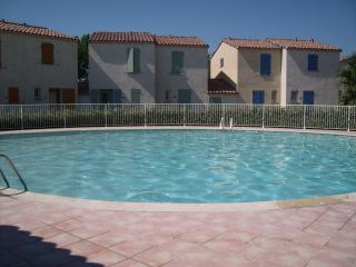 Beautiful House with Satellite Or Cable TV and Television - Aigues-Mortes vacation rentals