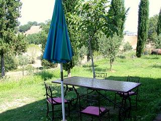 Nice House with Deck and Internet Access - Buonconvento vacation rentals
