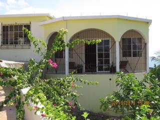 Bright 2 bedroom Treasure Beach Villa with Internet Access - Treasure Beach vacation rentals