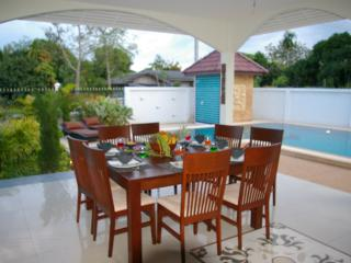 Bright Villa with Safe and Towels Provided - Phe vacation rentals