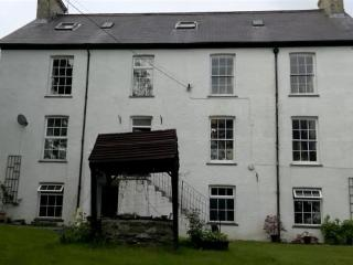 Charming House with Internet Access and Television - Devil's Bridge (Pontarfynach) vacation rentals