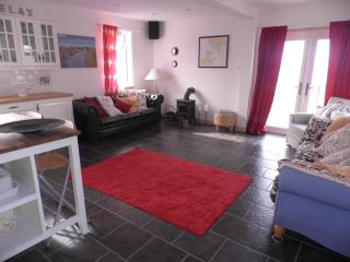 Lovely 3 bedroom House in South Uist with Internet Access - South Uist vacation rentals