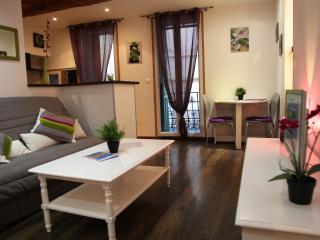 2 pièces Vieille ville Menton à 50m De La Plage - Menton vacation rentals