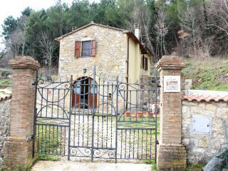 Hot Thermal water FREE Tuscany - Semproniano vacation rentals