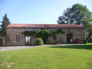 Lovely Gite with Internet Access and Satellite Or Cable TV - Issoire vacation rentals