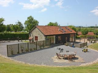 Comfortable 3 bedroom Barn in Bridport with Internet Access - Bridport vacation rentals